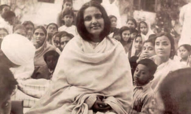 The Divine Life of Anandamayi Ma