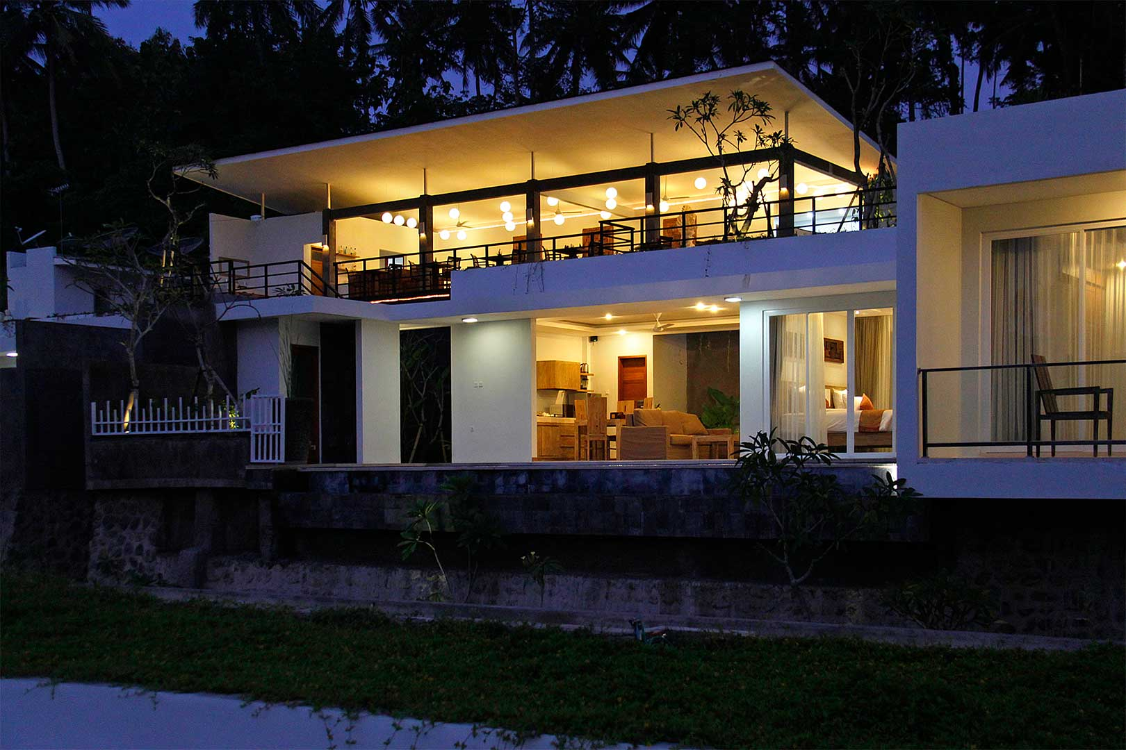 Upstairs-Yoga-Hall-at-Night-and-Villa-Below