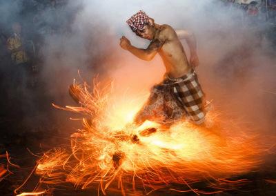 """""""Perang Api"""" ritual"""